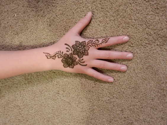 Big Flowers Mehndi Design Kids Back Hand Mehndi Designs Mehndi