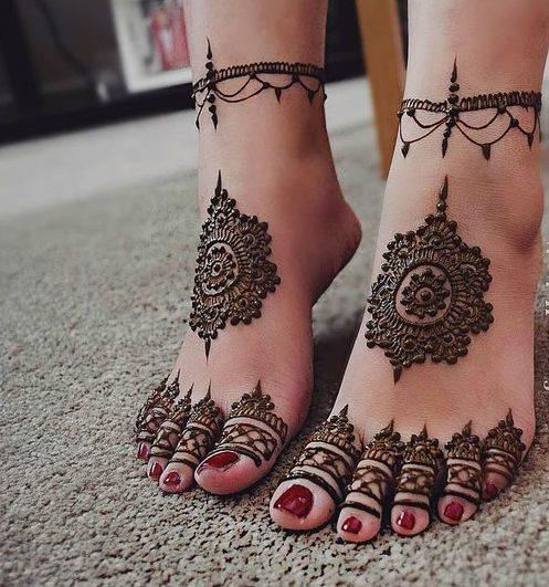 Chic Mehndi Design On Sides Bridal Foot Mehndi Designs Mehndi
