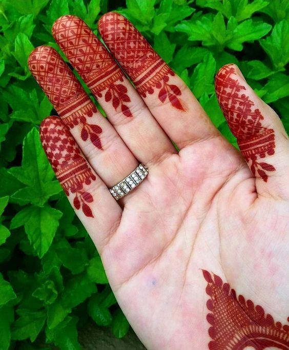 modern simple arabic mehndi designs front hand